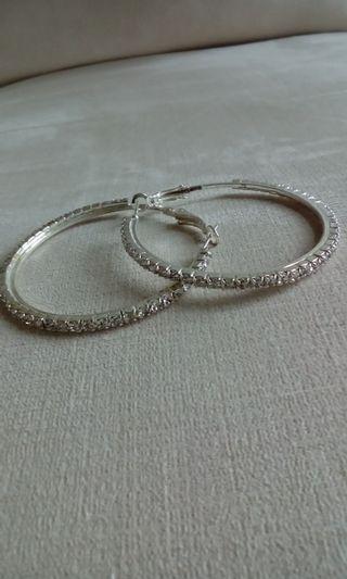 🚚 水鑽耳環