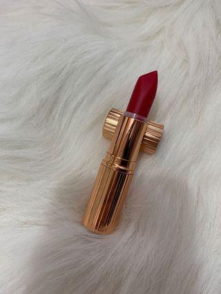 試過色 Charlotte tilbury lipstick the queen