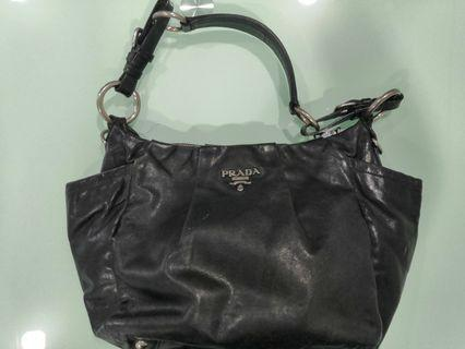Pre ❤️ Authentic Prada Tote Shoulder Black Leather