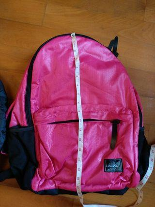 Laosmiddle sports bags