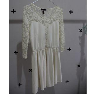Brokat Dress Long Sleeve Broken White Color