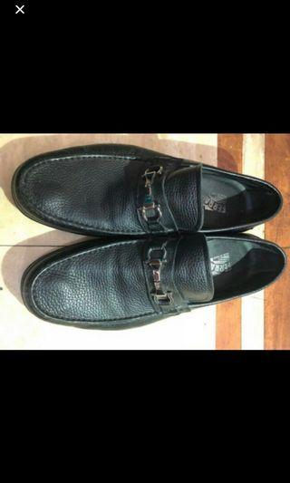 Authentic Preloved Men's Shoes