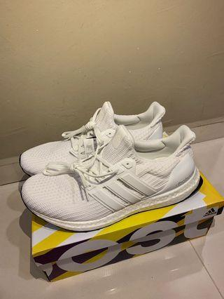 8bc299561bbc5 Adidas Ultraboost 4.0 triple white