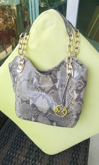 🚚 MK hand bag