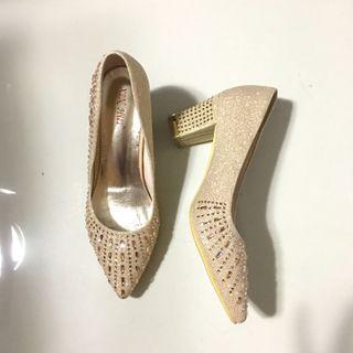 Block heel elegant wedding shoes