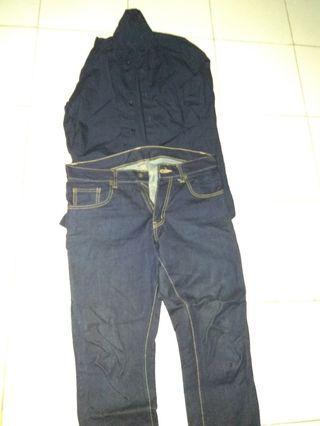 Jeans and kemeja biru dongker