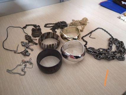 Accessories (Earring, brackets and necklace)