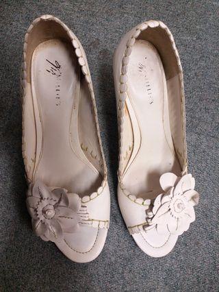 Millies 白色露趾高跟鞋