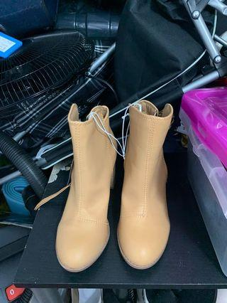 Dress Boots Size 6