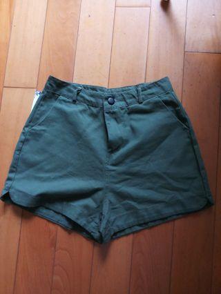 全新綠色夏天短褲