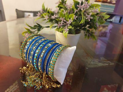🚚 Glam Bangles with dangling tassel - FOC smartpac delivery