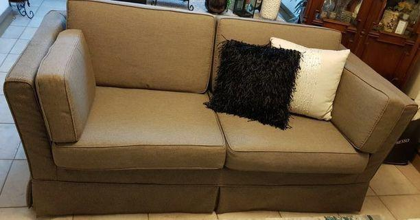 🚚 2.5 seater sofa