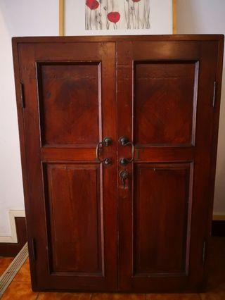🚚 Antique Wooden cabinet