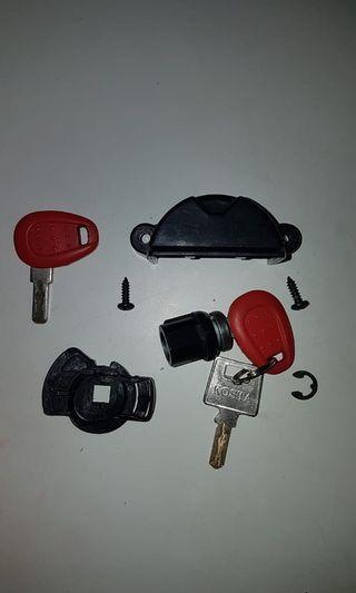 GIVI E22 Right Side Box- Complete set locking mechanism come w/ 3 Keys.