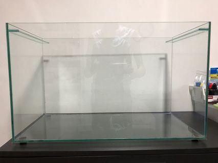 🚚 Glass Tank Aquarium 2FT x 1FT x 1.5FT (LxBxH)