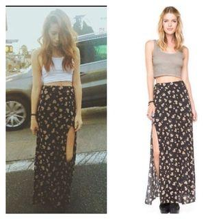 🚚 Brandy Melville Sunflower Maxi Skirt