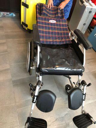 輪椅 多角度調節輪椅
