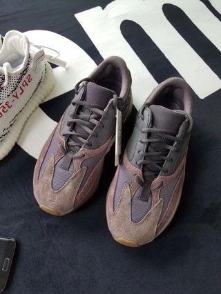 🚚 Adidas yeezy 700 異色 男女款最強訂製