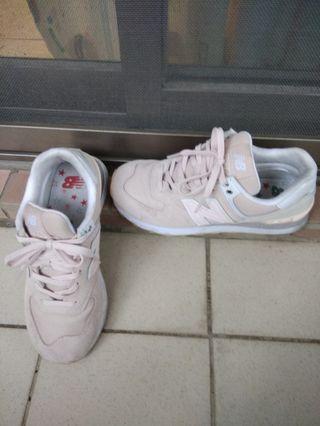 New balance 574 粉色慢跑鞋