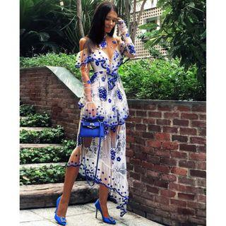 BNWT ALICE MCCALL BLUE & WHITE MIRAGE GOWN - SIZE 8 AU (RRP $590)