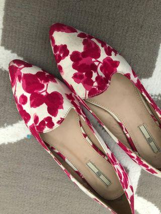 Nose Printed Shoes