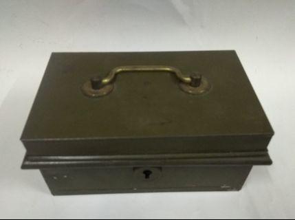 懷舊收藏 ,50年代英國制造 鐵厚皮散零錢 錢罂 錢箱