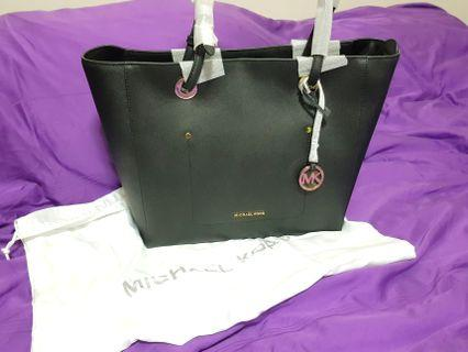 b115a9bdb04f PRE MOTHER S DAY - 220 ONLY! Michael Kors Walsh East West Tote Bag-