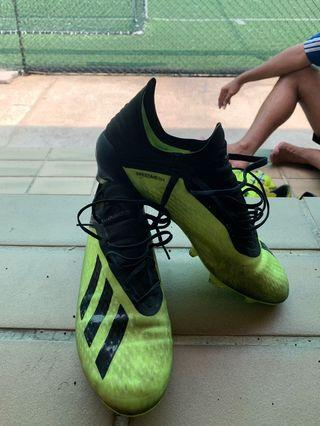 68a8195ad73 Adidas Soccer Boots X19.1