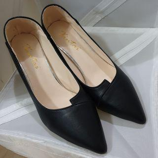 📮Free NORMAL postage 💯Brand New Black Faux Square Heels Leather Pumps/ High Heels
