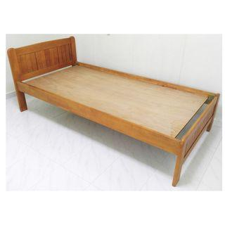 ★ Single Wooden Bed, Solid Frame ★ WONDERFUL CONDITION (TP2)