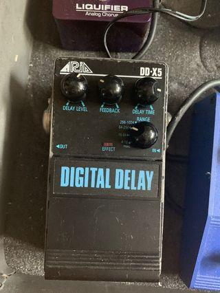 Aria Guitar Pedal effect 80's digital delays good sound Japan made