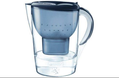 Brita 3.5l water filter with 2 brand new filters - great condition