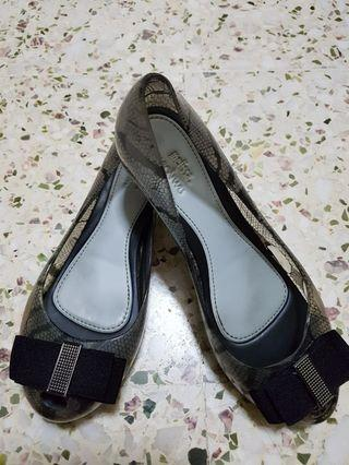 Fast deal  $30 Preloved Melissa shoes SIZE 37