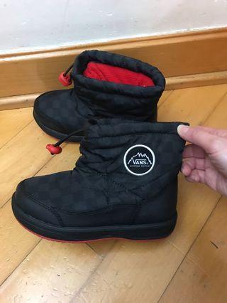 Vans鞋小朋友只穿過一次,超級新淨。
