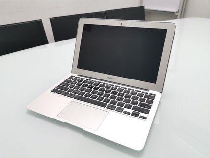 "Super mint MacBook Air 11"" (early 2014 MODEL)"
