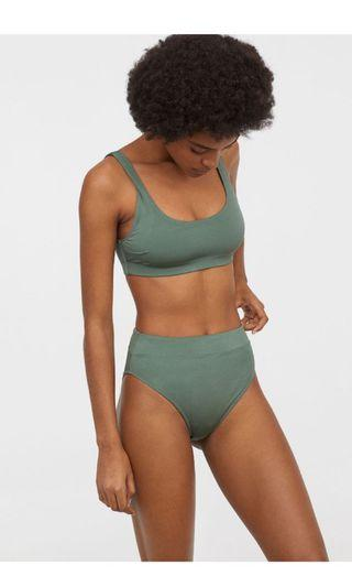 H&M Bikini Top in Dusky Green 32