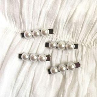 Handmade pearl clips/ barettes