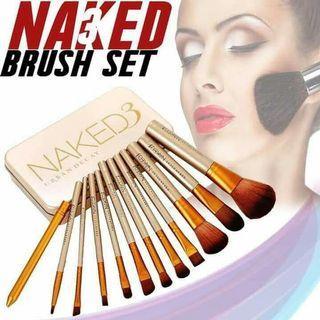 On hand! Naked Brush Set