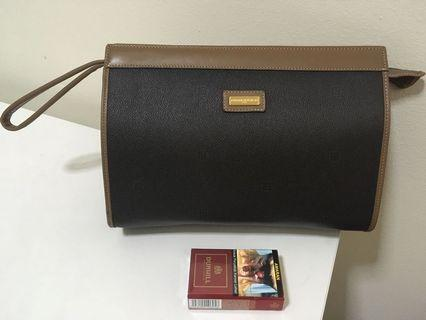PierreBalmain clucth bag