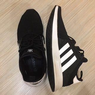 🚚 Adidas 黑色運動鞋 NMD CQ2405