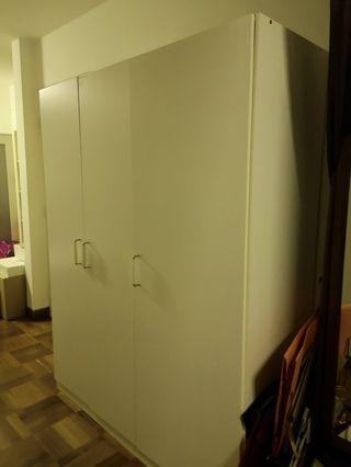 🚚 White Clothing Wardrobe (triple door)