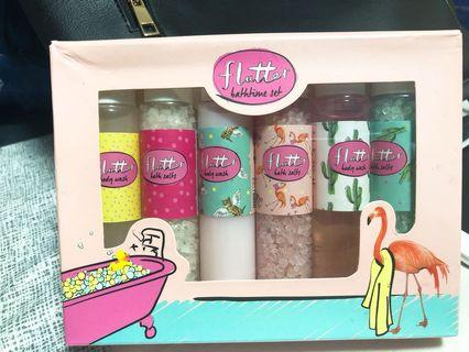 Flutter Large Girls Gift set with body wash and body salt