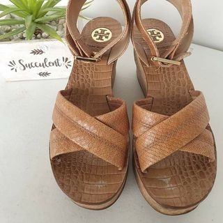 109a08b26 wedge sandals size 5