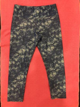 7b625fd2d1575 yoga pants size 4 | Sports | Carousell Singapore
