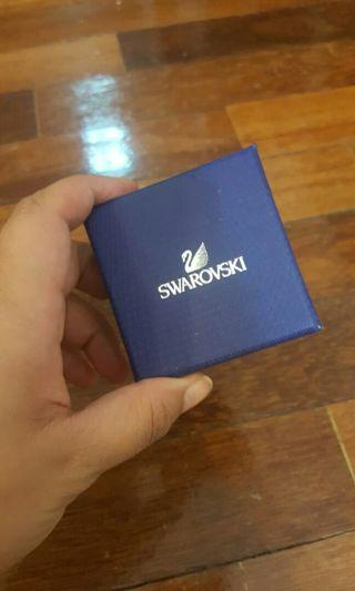 Swarovski Necklace FREE 💌