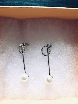 Korea Pearl Earrings