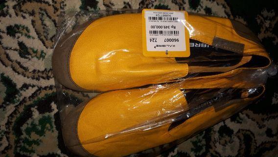 Sepatu Kalibre