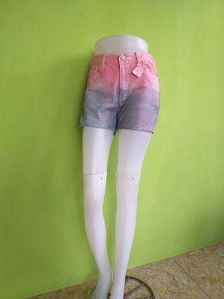 Celana Pendek Jeans CYN