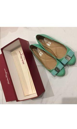 Salvatore Ferragamo size 5 💯% Authentic