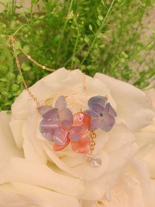 手做乾繡球花珍珠18k金包銀頸鏈 - Hand made preserved hydrangea flowers and pearl droplet 18k plated silver necklace